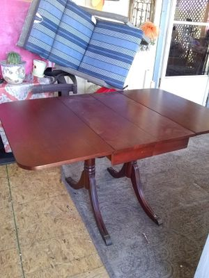 Antique drop table seats 6 ,,original 6 chairs, also has original top covering for the table for Sale in Phoenix, AZ