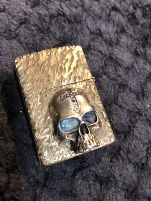 ZIPPO GENUINE CUSTOM SOLID BRASS WITH BRONZE 3-D SKULL ABALONE EYES WOKS AWESOME for Sale in Wakefield, MA
