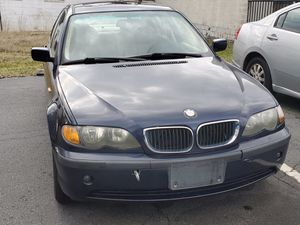 02 325xi 166k low miles $2100.00 can't beat the price good running Beamer for Sale in Rock Hill, SC