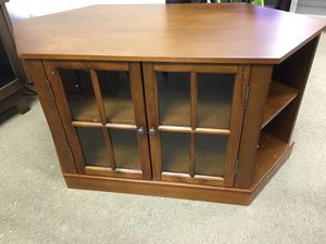 """NARITA SWIVEL TOP MEDIA STAND Model MS987200TX BROWN Table TV Stand Up to 43"""" $139 for Sale in Duluth, GA"""