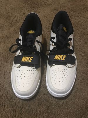 Air Jordan legacy low vanilla size 8 for Sale in Bakersfield, CA