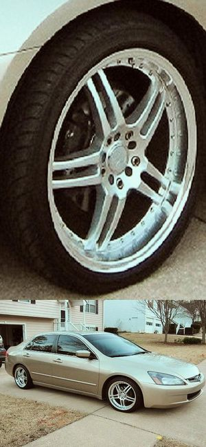 Price$6OO Accord EX 2OO5 for Sale in Cleveland, OH