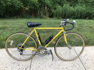 Vintage Men's Schwinn World Traveler Road Bicycle - Great Condition for Sale in North Wales, PA