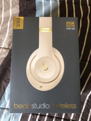 Beats studio 3 (special edition) for Sale in Folsom, CA
