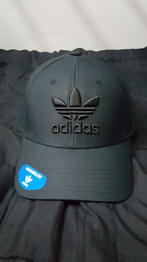 ADIDAS HAT ADJUSTABLE SNAP BACK CLIP ALL SIZES FITS ALL LIMITED EDITION DARK BLACK BRAND NEW WITH TAGS SERIOUS BUYER'S MAKE ME AN OFFER for Sale in Huntington Park, CA