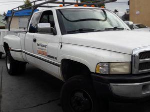 4x4 DODGE RAM 3500 GAS V-10 for Sale in La Habra Heights, CA