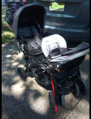 Double stroller baby trend sit n go . for Sale in Hainesport, NJ