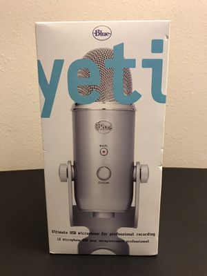 Blue yeti The ultimate professional USB microphone in silver for Sale in Federal Way, WA