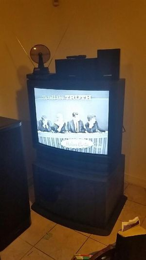 Sony 28 inch TV with Stand for Sale in Riverdale Park, MD