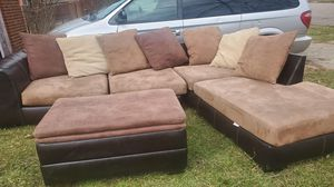 2pc sectional with storage ottoman for Sale in Detroit, MI