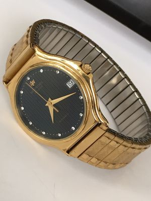 Raymond Weil Automatic, unisex watch. 18k. Gold plated. 35mm. Eleven real diamonds on the face. for Sale in Coral Gables, FL