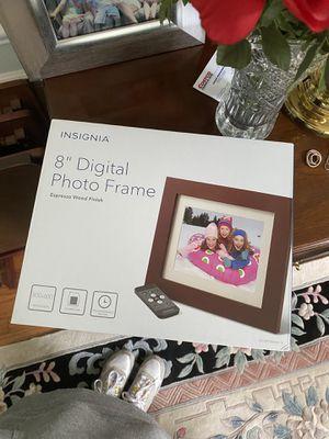 Digital photo frame for Sale in Gaithersburg, MD