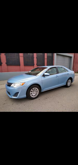 toyota camry SE año2012 titulo salvage for Sale in Los Angeles, CA