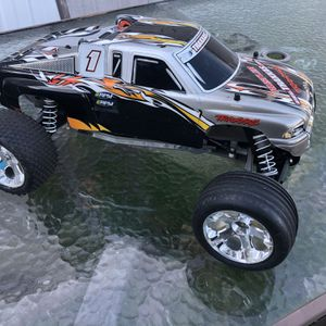 Traxxas Rustler for Sale in Yardley, PA