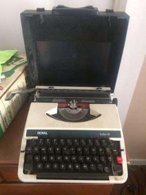 Royal typewriter for Sale in Graceville, FL