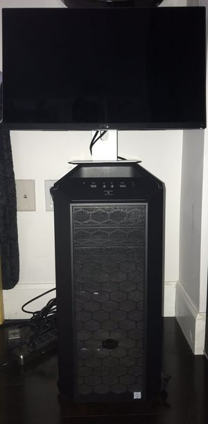Gaming PC with Dell monitor no keyboard or mouse for Sale in Miami, FL