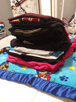 Clothes Lot 20 peices woman's for Sale in Kechi, KS