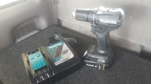 Brushless Makita xfd11 18 volt/ 2.0 a h 18 volt battery and a charger for Sale in Tacoma, WA