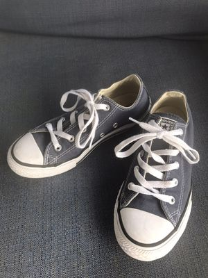 Converse all star low top sneaker for Sale in Fresno, CA