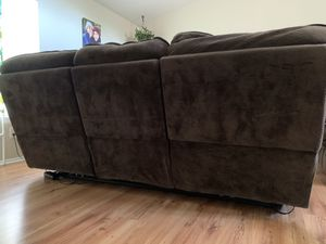 Couch and recliner set for Sale in Hemet, CA