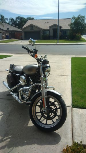 Harley Davidson 2k mi - like NEW for Sale in Los Angeles, CA