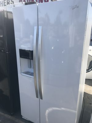Wide refrigerator side by side like new condition for Sale in La Habra, CA