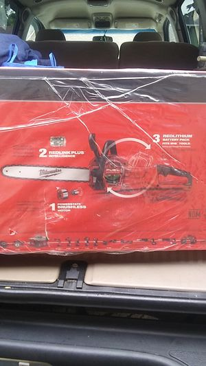 """Milwaukee16"""" M18 FUEL CHAINSAW for Sale in Portland, OR"""