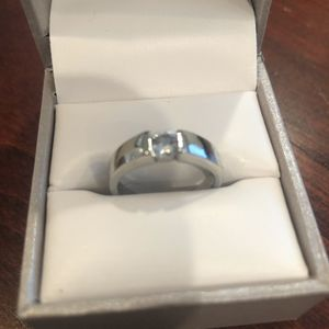 925 Fashion Silver exquisite Austria Crystal Ring jewelry women men size 7 for Sale in San Jose, CA