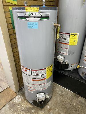 """NEW 40 GALLONS AOSMITH GAS WATER HEATER 20"""" x 59"""" 90 days warranty garantia por escrito for Sale in Dallas, TX"""