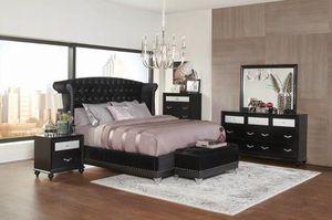 4PC QUEEN BEDROOM SET: QUEEN BED FRAME, DRESSER, MIRROR, NIGHTSTAND for Sale in Redding, CA