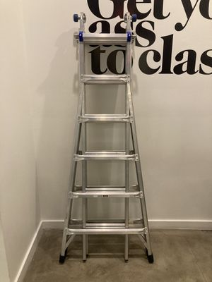 Werner Ladder 300lb Type 1A for Sale in Miami, FL