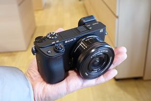 SONY A6400 mirrorless camera for Sale in Anaheim, CA