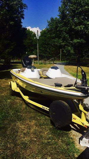 Bass Boat for Sale in Marion, IL