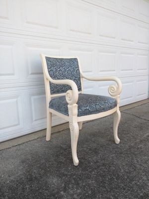 Accent chair for Sale in Duluth, GA