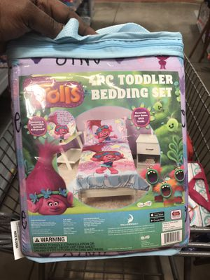 Trolls Toddler 4 Piece Bed Set for Sale in Lake Worth, FL