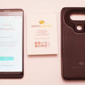 Lg V20 With Fancy Battery for Sale in Gig Harbor, WA