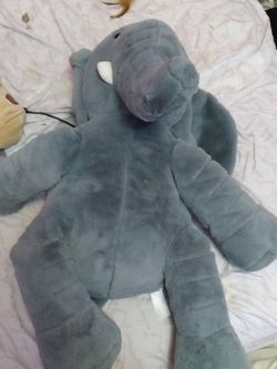 GIANT Elephant Stuffed Animal for Sale in Minneapolis,  MN