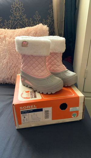 Kids Snow boots size 9 shoes for Sale in Escondido, CA