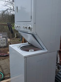 BIG CAPACITY LAUNDRY CENTER/STACKED for Sale in Salem,  OR