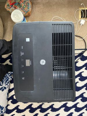 GE dehumidifier 72pints/24hour excellent condition works great! for Sale in Hilliard, OH