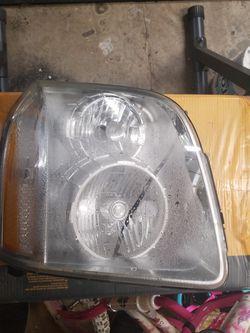 Yukon Denali Headlight for Sale in Puyallup,  WA