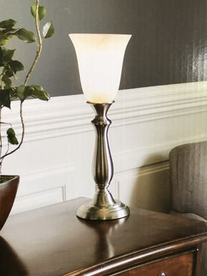 Table lamp with glass lamp shade for Sale in Fort Lauderdale, FL