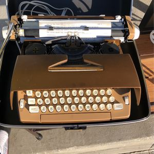 smith corona coronet electric 12 typewritter for Sale in Los Angeles, CA
