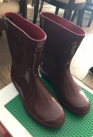 Michale kors rain boots for Sale in Rosemead, CA
