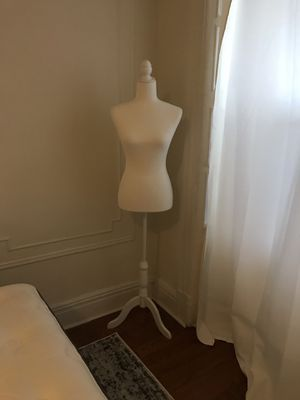 Bonnlo Dress Form for Sale in Brooklyn, NY