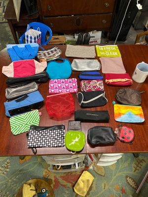 26 cosmetic bags for Sale in Syracuse, NY