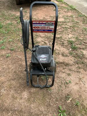 BRIGGS AND STRATTON. DIAMOND SERIES PRESSURE WASHER. 6000 PSI. 6 HP. for Sale in Conyers, GA