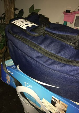 NIKE DUFFLE BAG VERY GOOD CONDITION for Sale in Columbus, OH