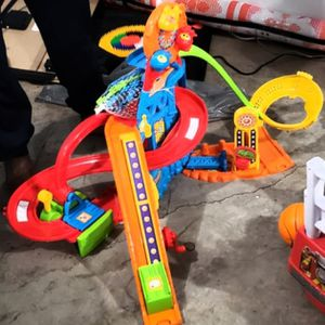Toddlers Big Building N Sliding Toy for Sale in Rocky Hill, CT