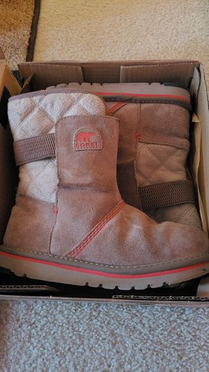 Sorel, like new Newbie Youth boots for Sale in Alexandria, VA